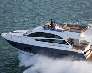 BRAND NEW FAIRLINE SQUADRON 50 MOTOR YACHT ARRIVES IN SOUTH AFRICA