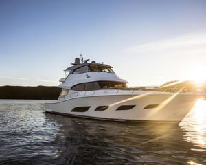 Upsize me, The Riviera 72 Sports Motor Yacht